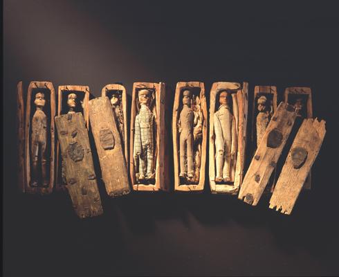 Los diminutos ataúdes encontrados en una cueva de Arthur's Seat.